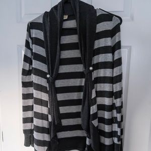 Sweaters - Stripped Cardigan